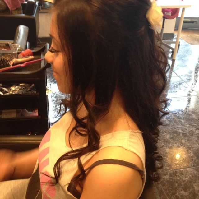 Redmond's Hair & Beauty Salon
